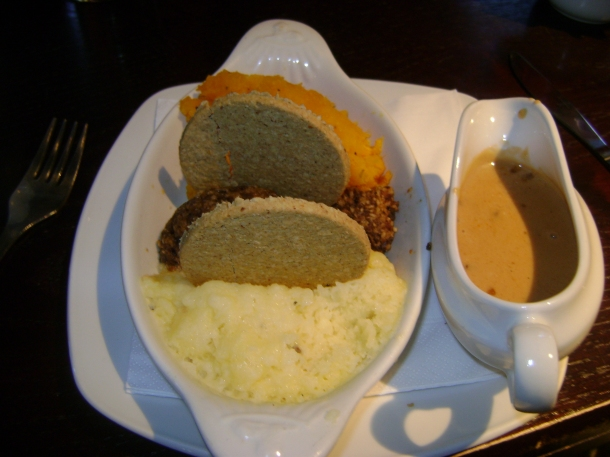 tatties, haggis in the middle, and orange neeps